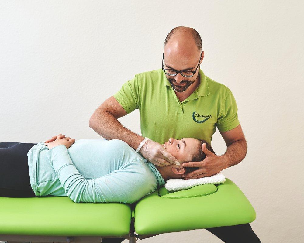 Physiotherapie bei Kopfbeschwerden, Gesichtsbeschwerden & Kiefergelenksbeschwerden bei Therapy4U in Kempten (Allgäu), Durach & Füssen