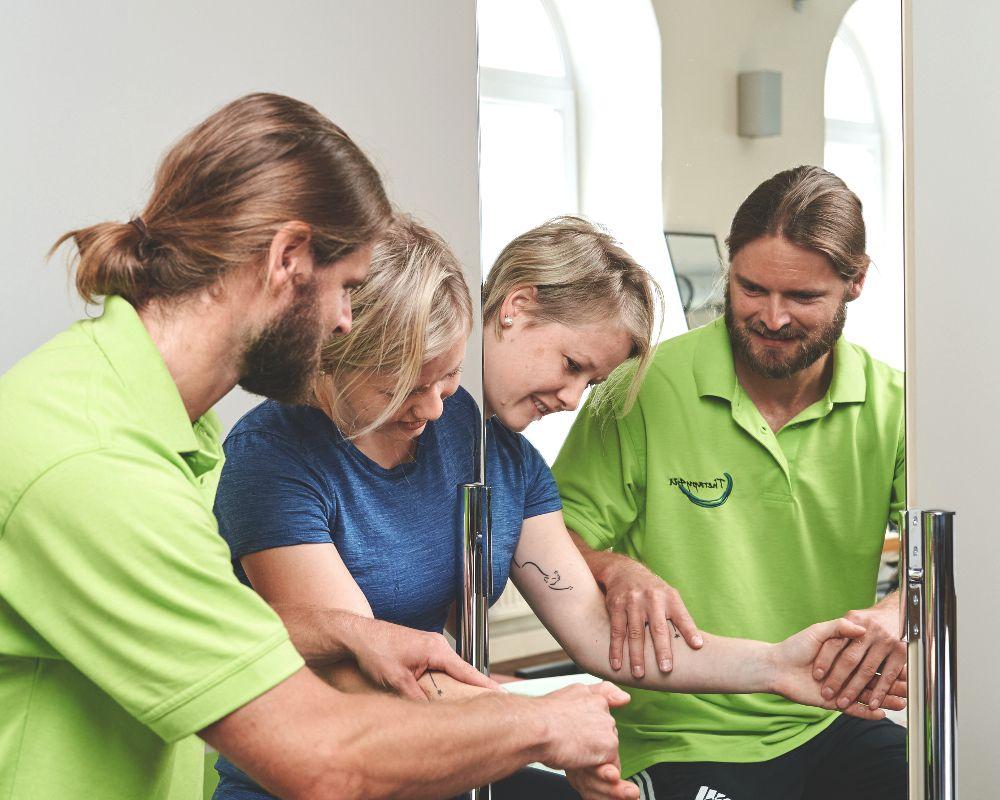 Spiegeltherapie bei Therapy4U in Kempten (Allgäu), Durach & Füssen